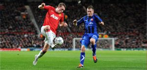 Silviu Ilie vs Phil Jones (Manchester United)